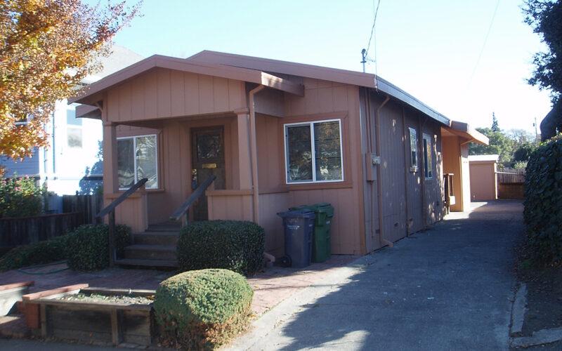809 F Street, Petaluma